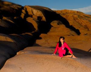 Die Rückenradsdrehung | Ardha Matsyendrasana