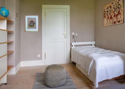 Graues Zimmer im Harbergen Retreat Zentrum