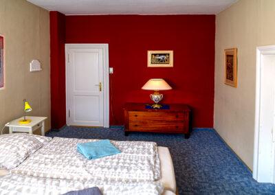 Rotes Zimmer im Harbergen Retreat Zentrum